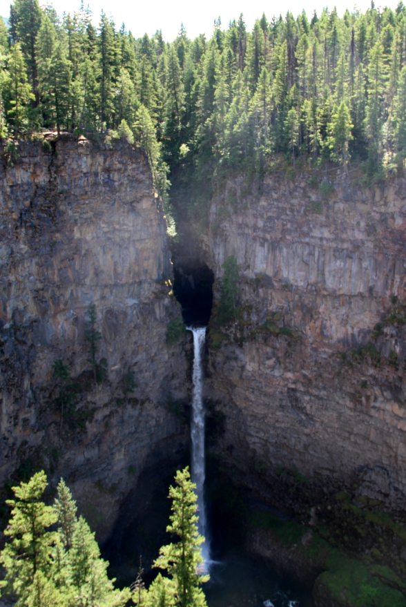De Spahat Falls in Wells Gray, Canada