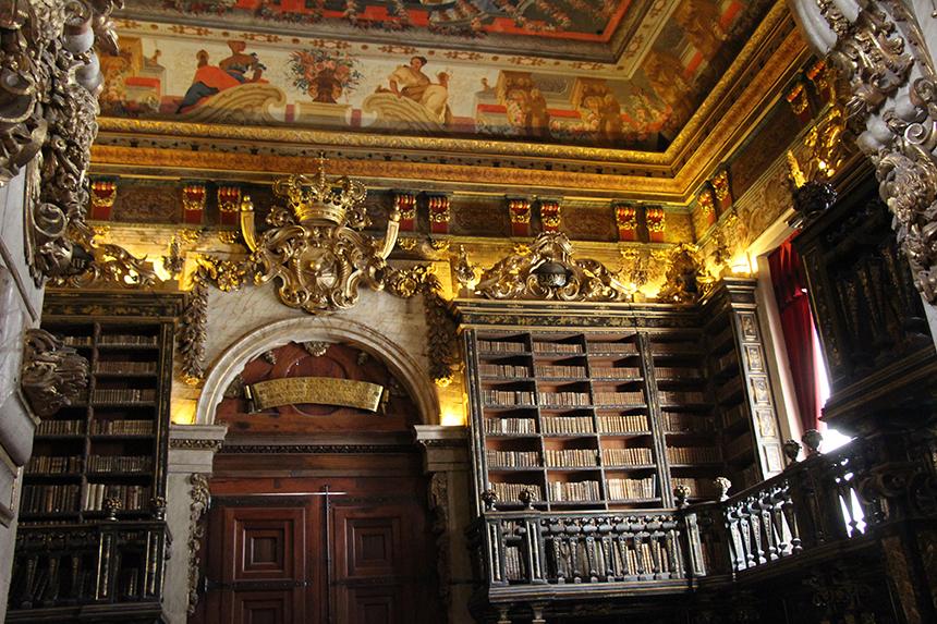 Biblioteca Joanina: de mooiste bibliotheek van Portugal