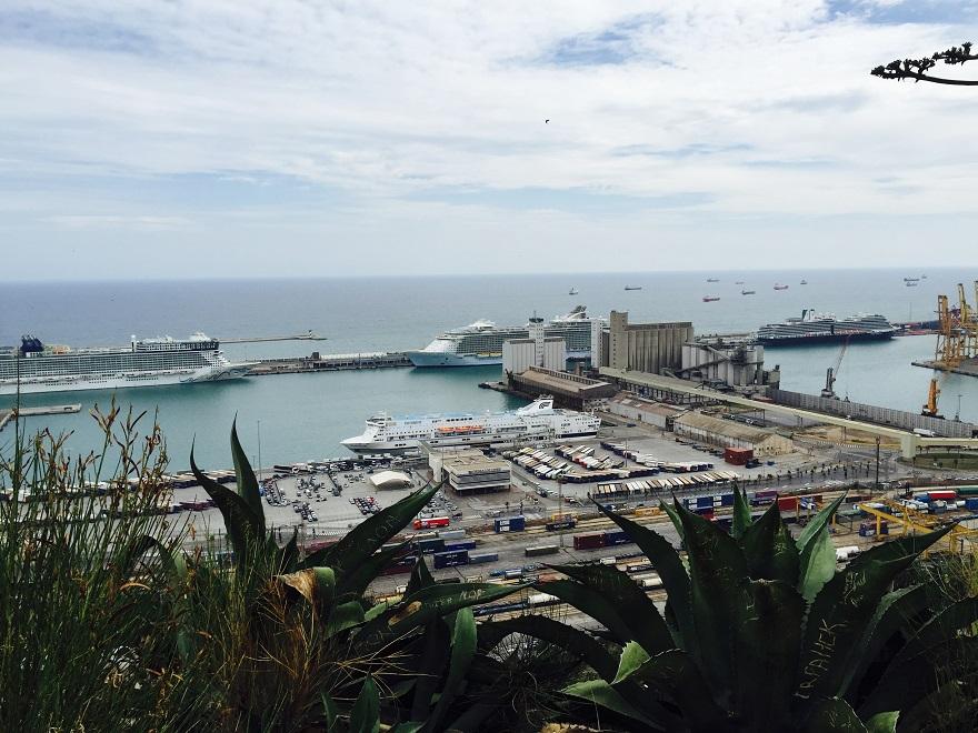 Prachtig uitzicht over de haven van Barcelona