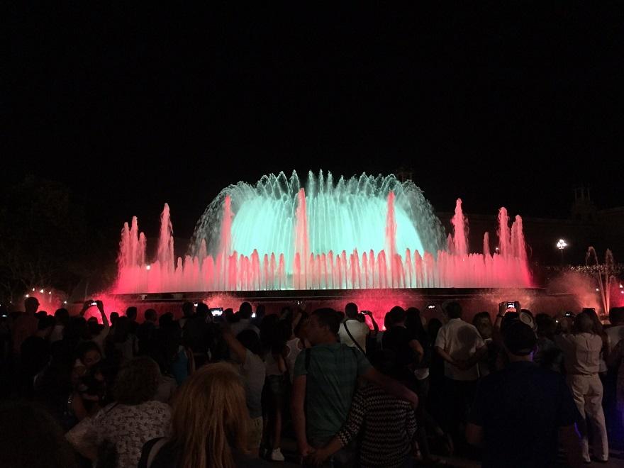 """""""Font Màgica"""": een prachtige fonteinenshow met muziek en licht"""