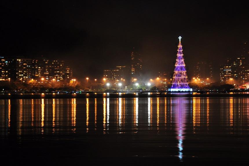 Grootste drijvende kerstboom ter wereld, foto Alexandre Macieira