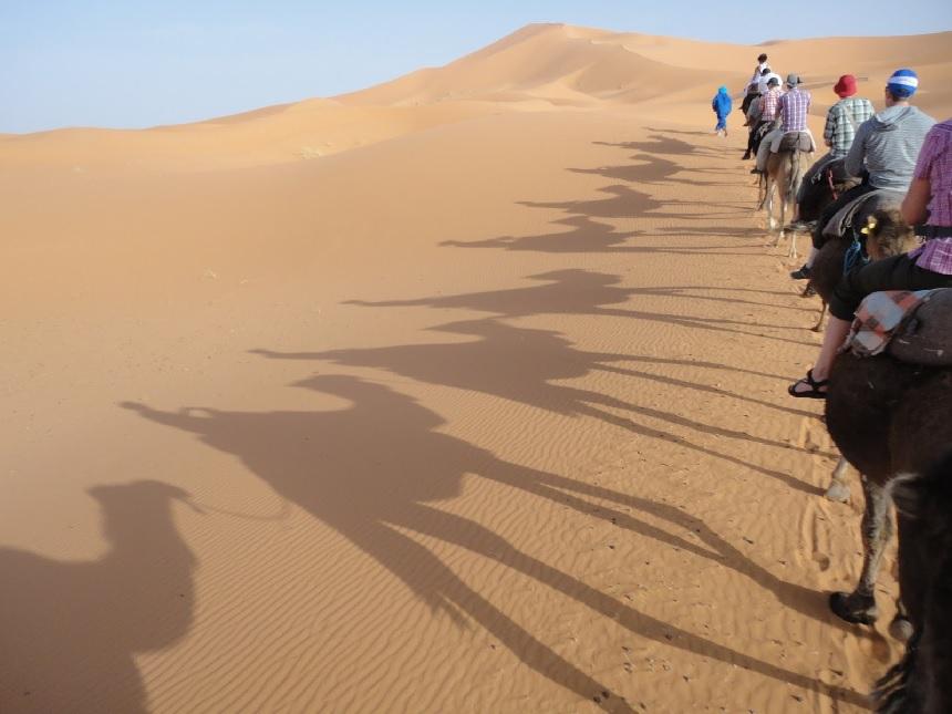 Een tocht in de zinderende hitte door de woestijn