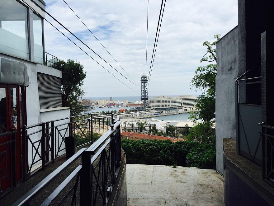"""De kabelbaan """"Telefèric Aeri del Port"""" verbindt het Olympisch dorp met de haven"""