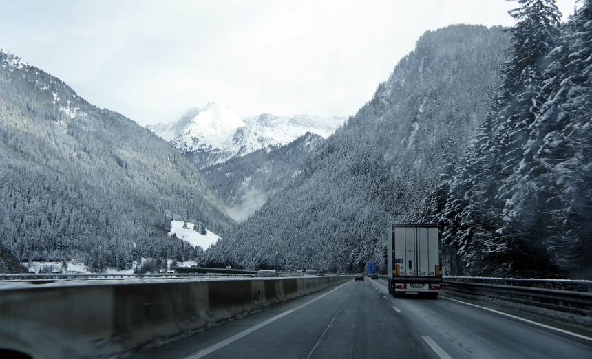 Per auto tussen Innsbruck en Obereggen.