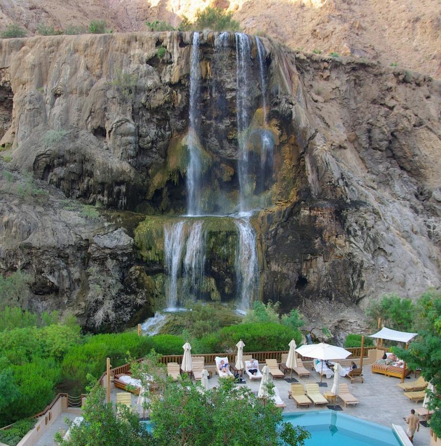 Water in de woestijn: bronnen bij Hammameth Ma'in.