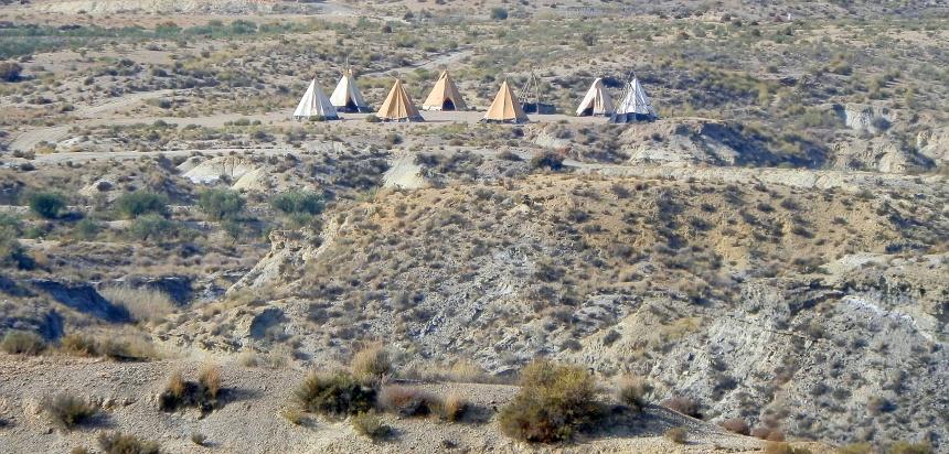 Al sinds de jaren 60 staan hier indianententen bij een westerndorp.