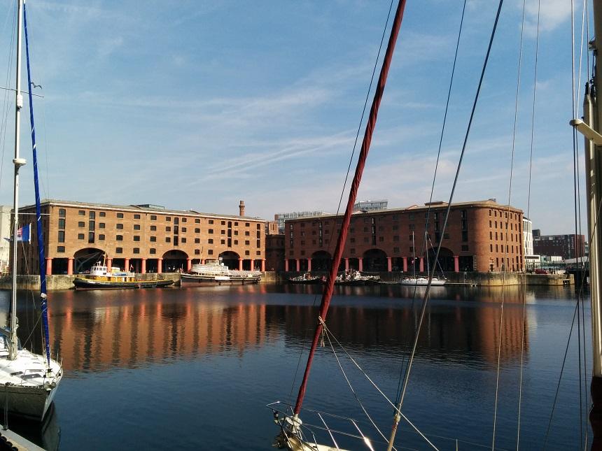 De volledig opgeknapte Albert Dock is nu een artistiek bolwerk