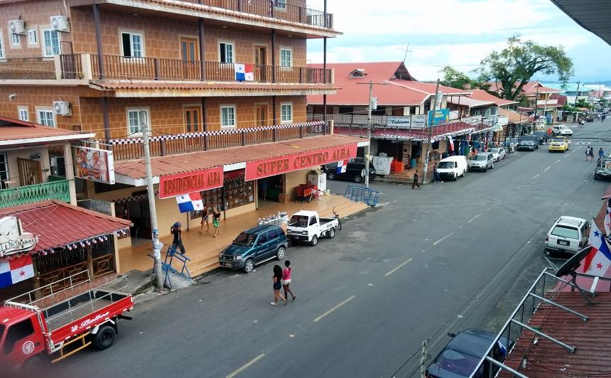Hoofdstraat in Bocas Town