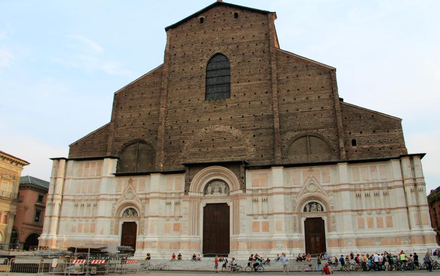 De San Petronio basiliek in Bologna had de grootste kerk ter wereld moeten worden