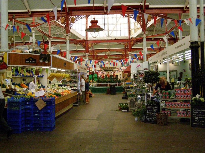 De markthallen in Saint Helier zijn een genot voor de zintuigen