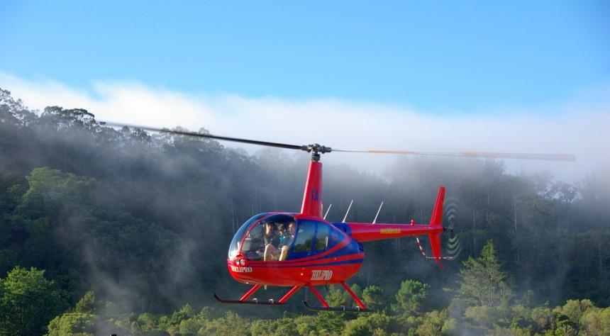 Terug in Rotorua. Stoom en zwavellucht overheersen.