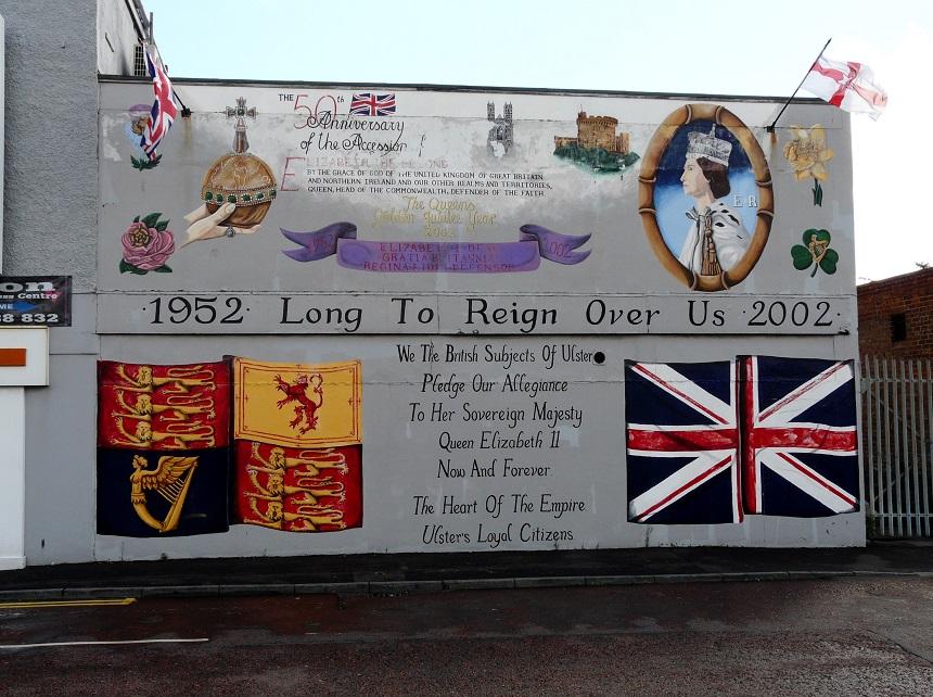 Een pro-Engeland mural in Shankill...