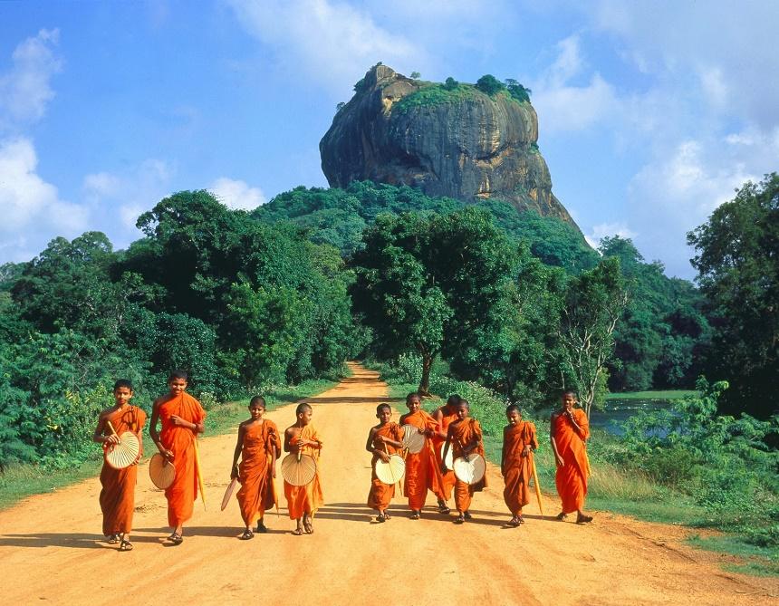 Sri Lanka is het enige land waar het boeddhisme ononderbroken levend is gehouden.
