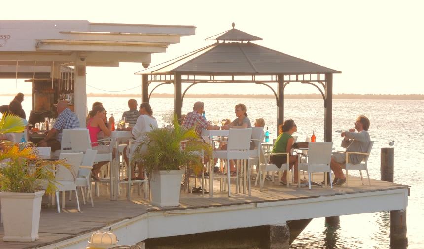 Nagenieten bij Karel's Beach Bar.