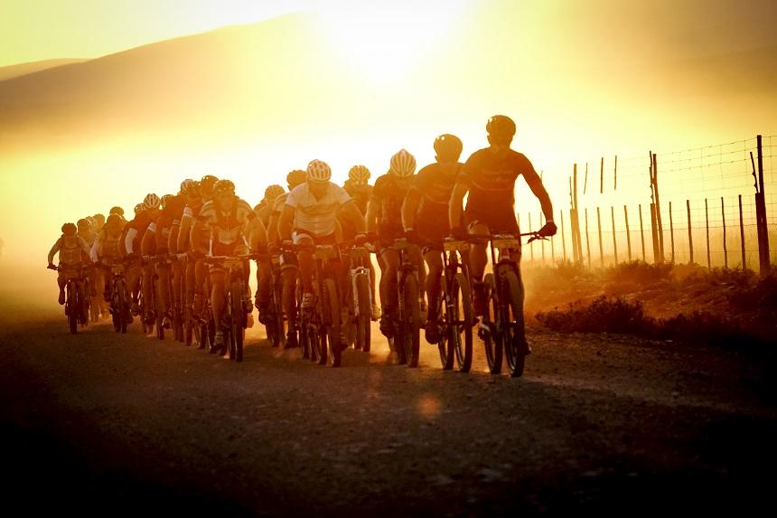 Eerdere beelden van een 7-daagse mountainbike race, van Knysna naar Franschhoek, Zuid-Afrika