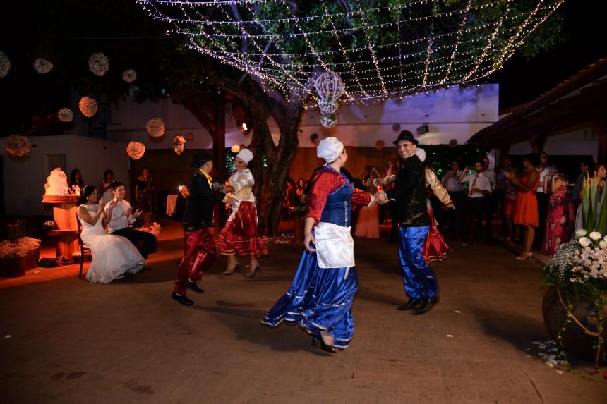 De kennismaking met Bolivia is compleet met een traditionele Boliviaanse bruiloft