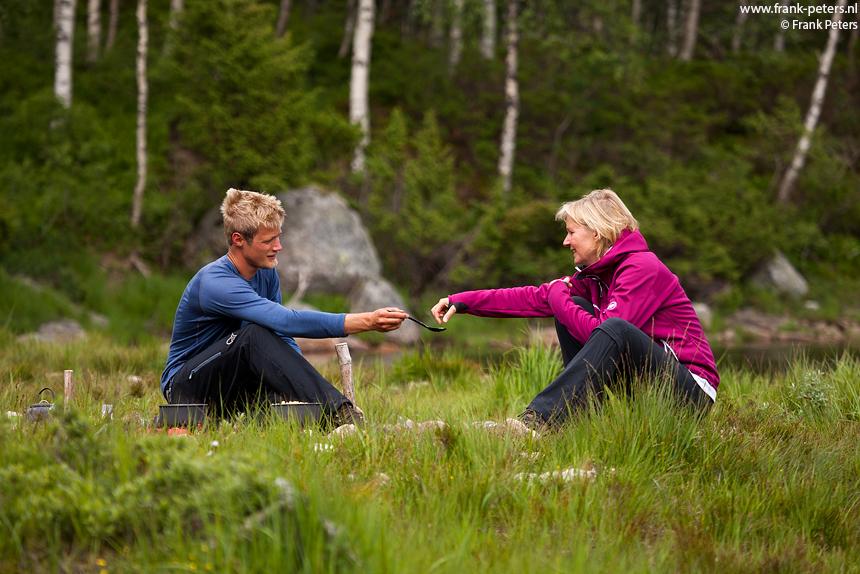 Cees en Andrea bij het meer van Skogavatnet, Lysefjord, Noorwegen