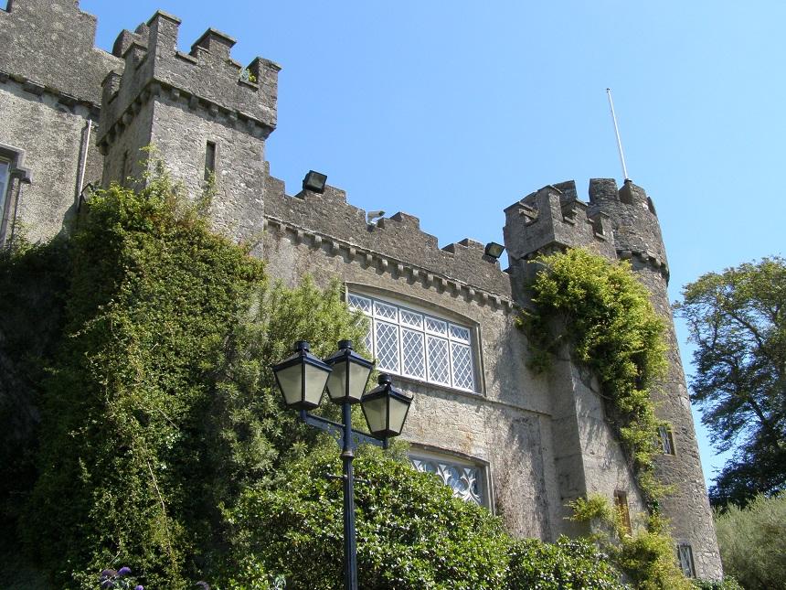 Het prachtige Malahide Castle ligt op een enorm landgoed waar je heerlijk kunt wandelen