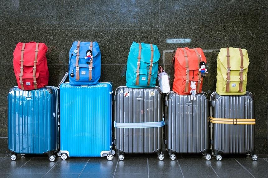 koffers op Schiphol