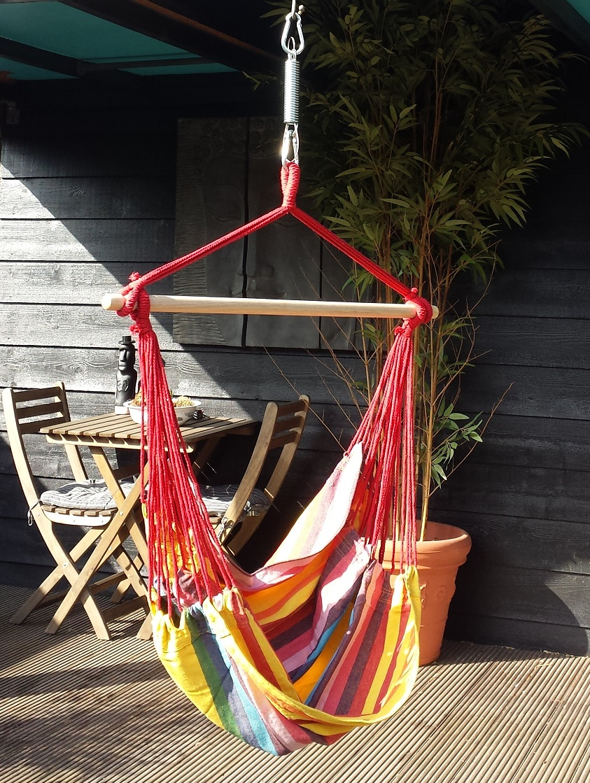 Hangstoel Bermuda Sunny, een van de mooiste hangstoelen in de Tropilex familie. Deze prachtige hangstoel in felle kleuren is één van de best verkopende hangstoelen. Ruim, maar toch voor een zacht prijsje