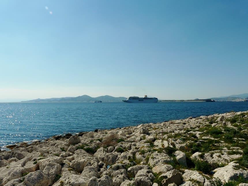 Piraeus is ook de plek om de boot naar de omliggende eilanden te pakken