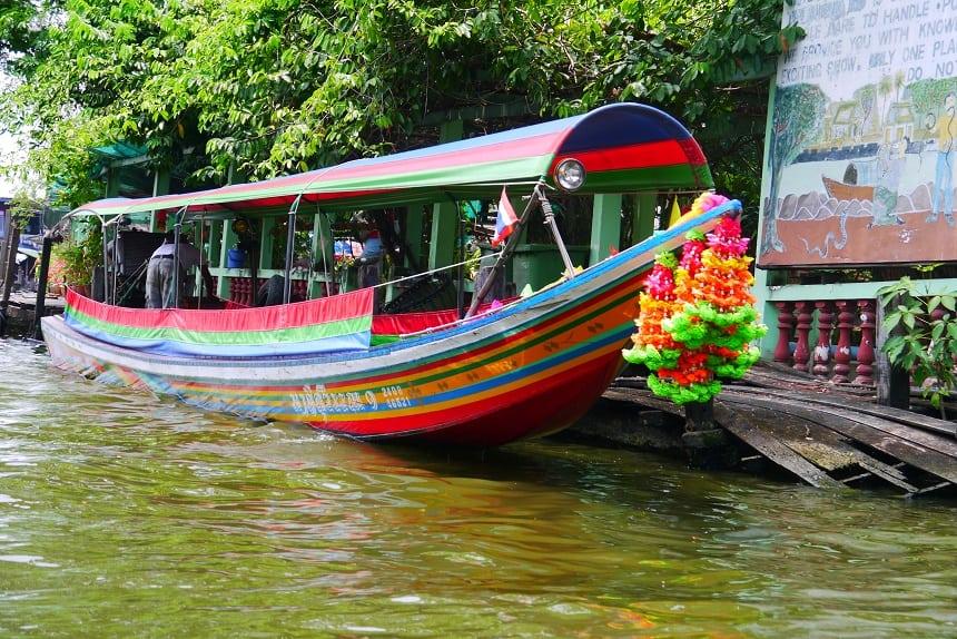 Bangkok per boot over de Chao Phraya.