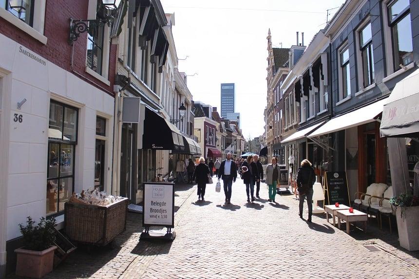 Kleine Kerkstraat, het gezelligste straatje in Leeuwarden.