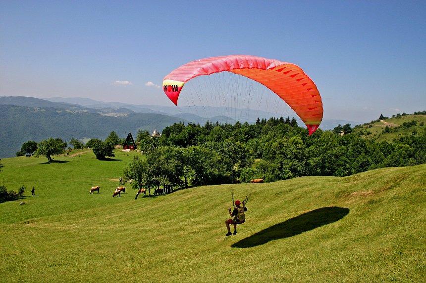Paragliding in Servië