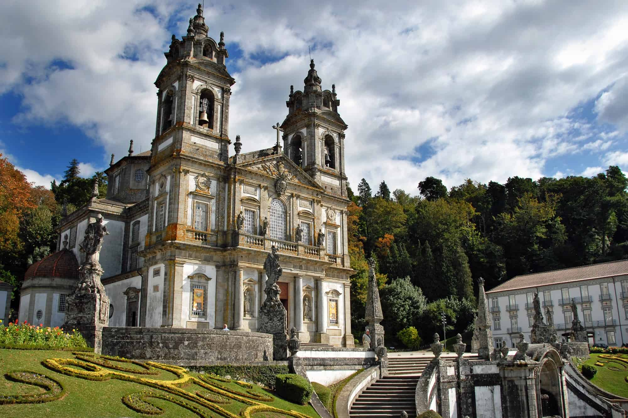 Het beroemde Portugese heiligdom Bom Jesús do Monte in Braga