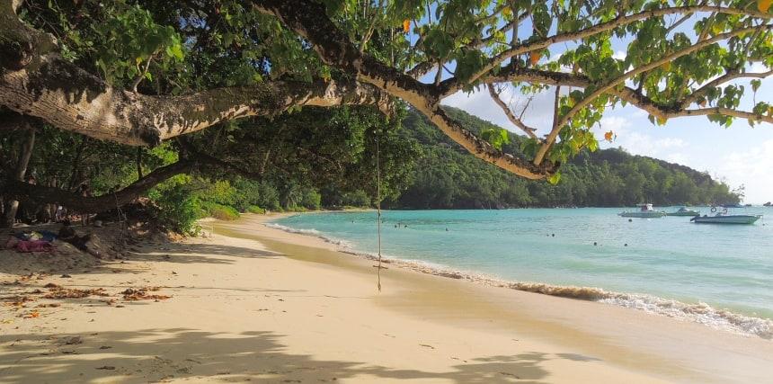 Idyllische stranden zijn overal. Dit is bij Constance Ephelia Hotel.