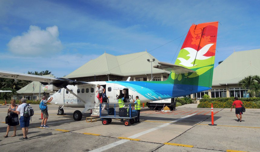 Met Air Seychelles van hoofdeiland Mahe naar Praslin.