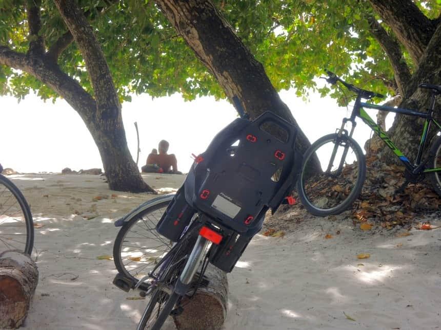 Op het kleine eiland La Digue wemelt het van de fietsen.