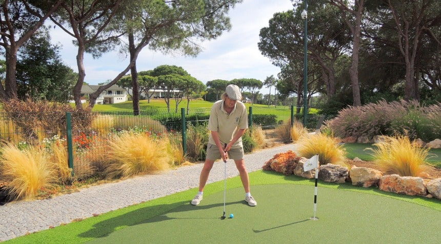 De Algarve staat bekend om de prachtige golfbanen.