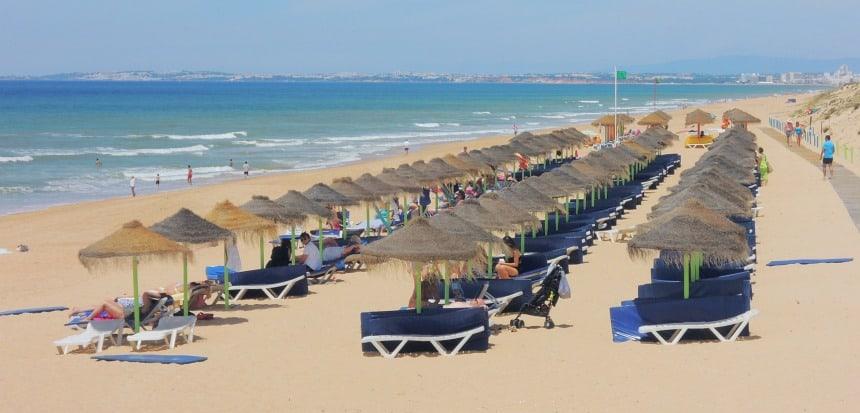 Een rustig strand is nooit ver weg.