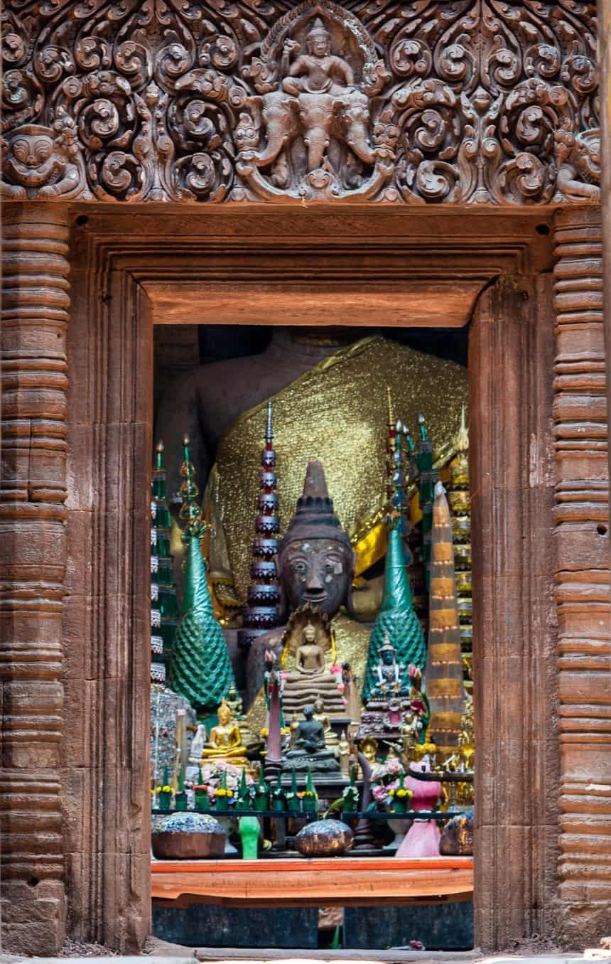 Boeddha's in een Hindu heiligdom