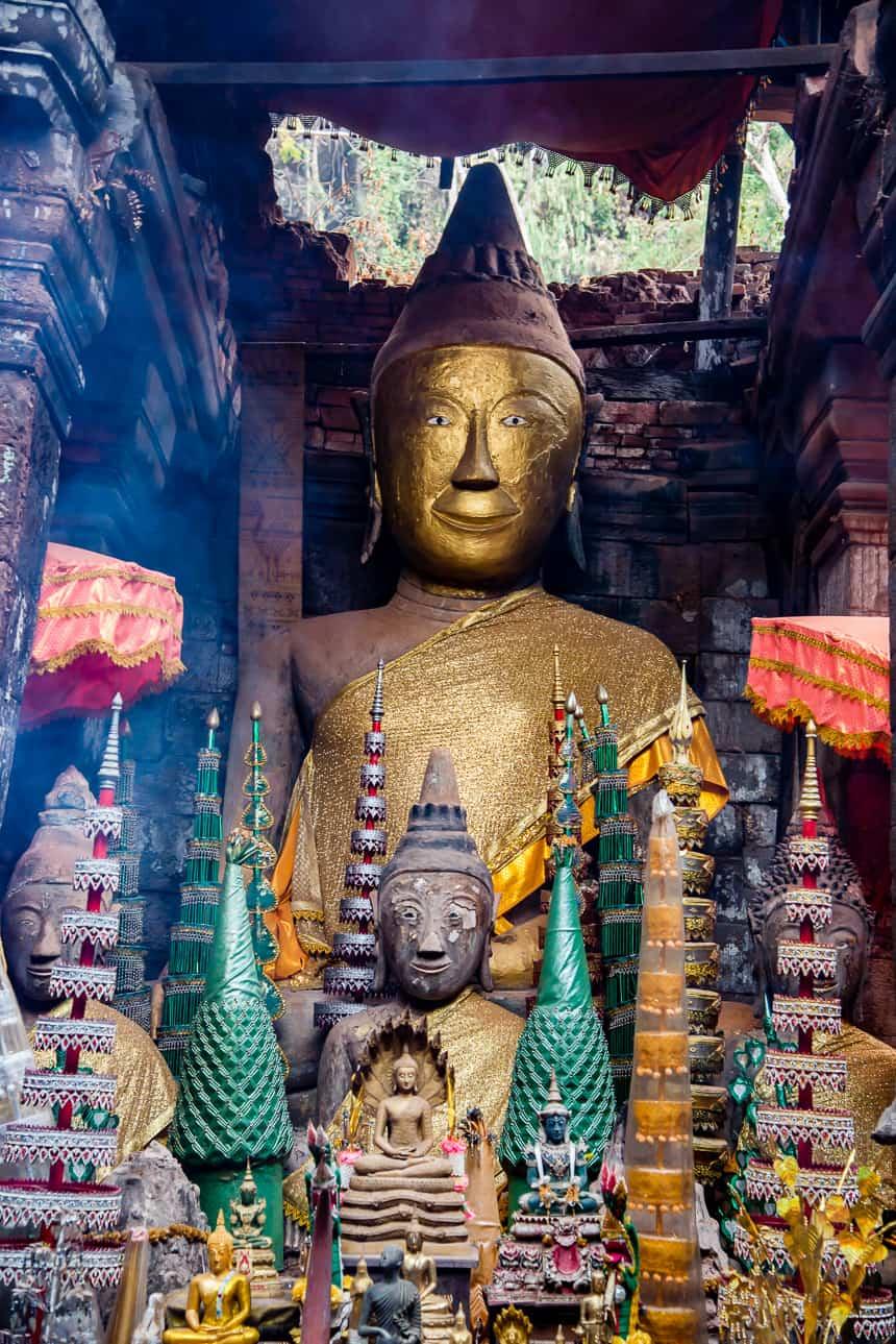 Een deel van de verzameling Boeddha's