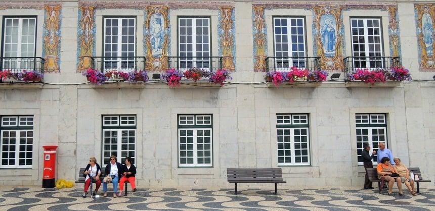 Typische blauwe tegels. Je ziet ze in heel Portugal.