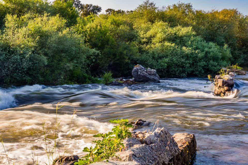 Stroomversnelling in de Rivier de Seda