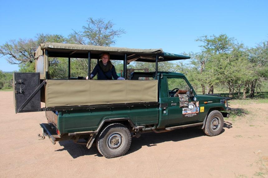 Safari's met een gids maak je in een speciaal safarivoertuig