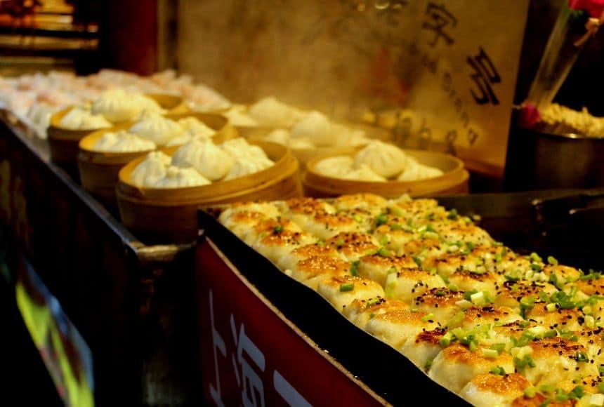 Gefrituurde en gestoomde Dumplings