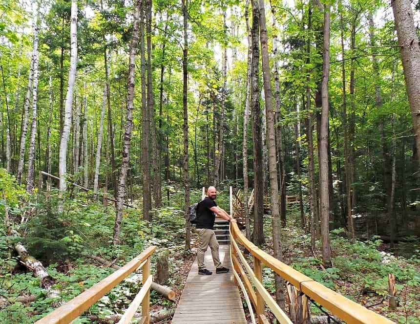 Wandelen in de wildernis van Oost-Canada.