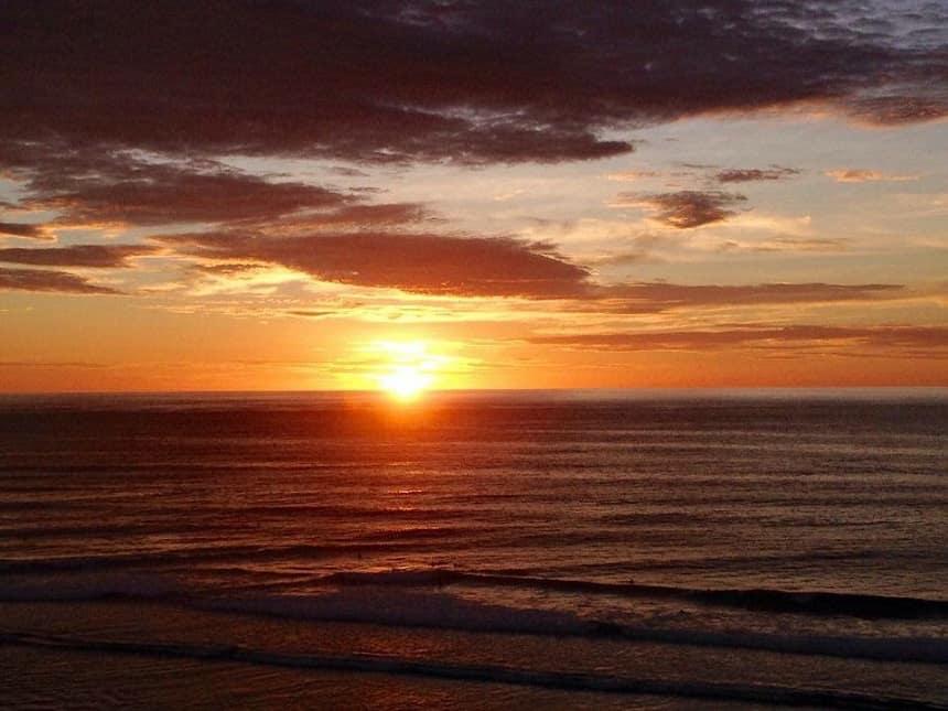 Zonsondergang vanuit Single Fin, Uluwatu
