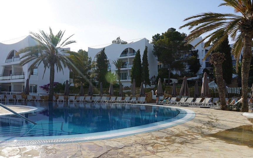 Marble Stella Maris heeft een heerlijk zwembad.