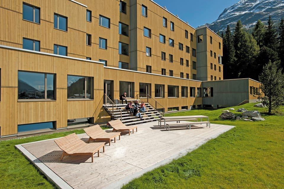 Hier verbleef ik in St. Moritz. Het Youth hostel St. Moritz. Erg fijn, netjes en een prachtig terras om te relaxen