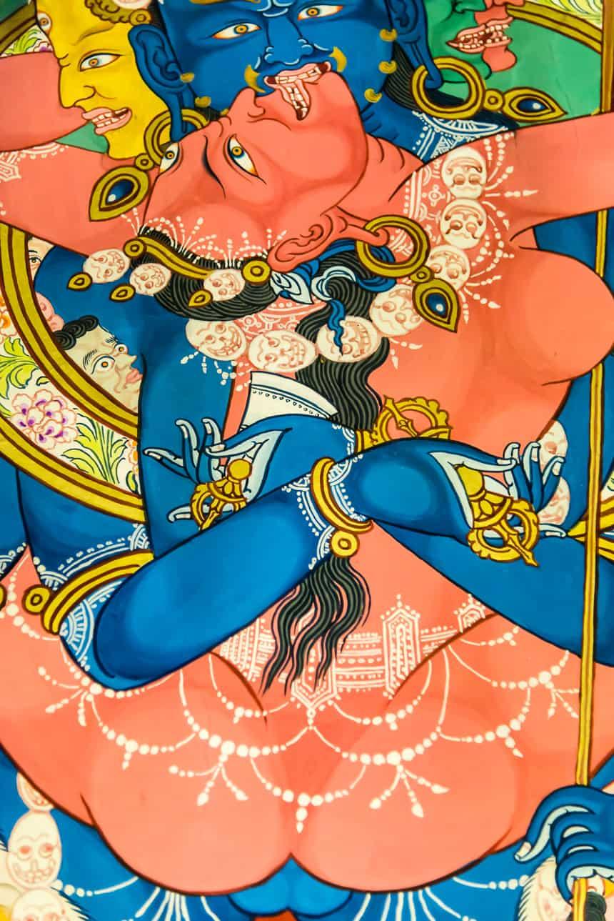 Erotische tanka in het klooster van Tagong