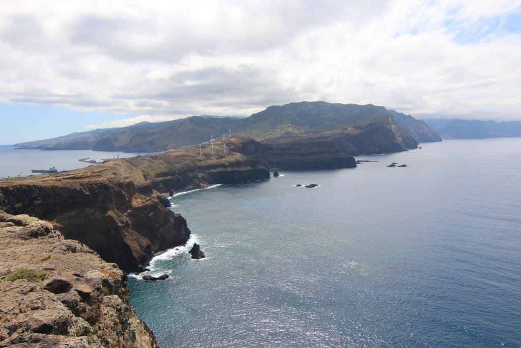 De ruige kust van Oost Madeira