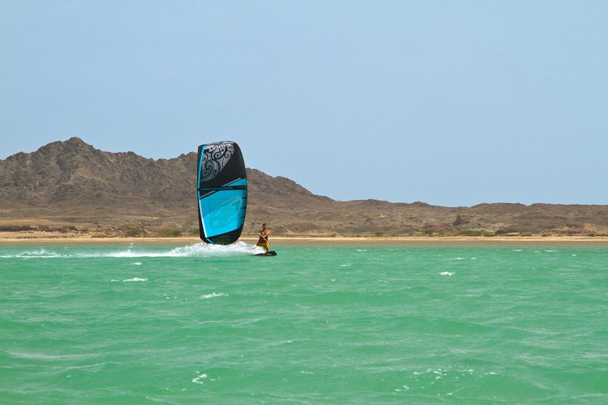 Zomer Oman: kitesurfen bij Masirah