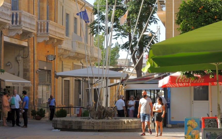 Nicosia is de laatste gedeelde hoofdstad ter wereld. Dit is het checkpoint.