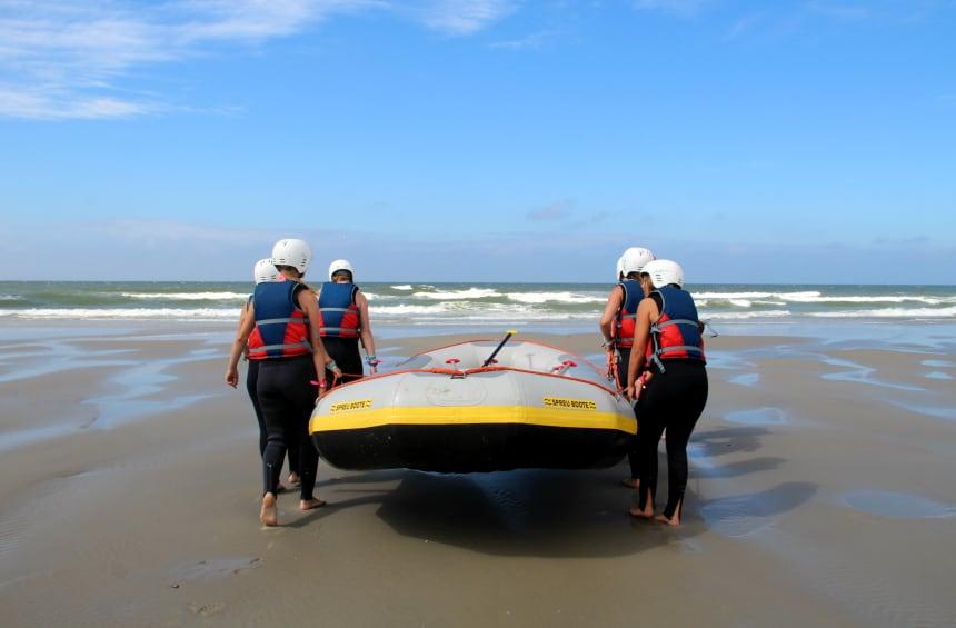 Te water in de provincie Friesland: coast raften op Terschelling