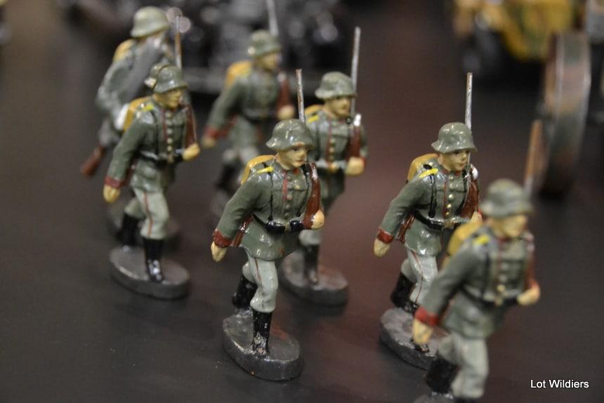 Tinnen soldaatjes in het gelid